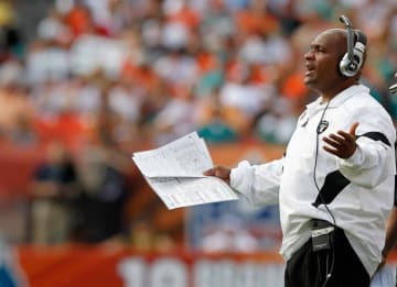 Hue Jackson fired by Browns