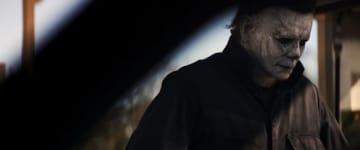 白いゴムマスクをかぶったブギーマンが帰ってくる! - (C)2018 UNIVERSAL STUDIOS