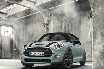 時代を超えて魅了する人気カラーを復刻させたレトロ・モダンな限定車「MINI ICE BLUE EDITION」「MINI ICE BLUE BLACK EDITION」を発表
