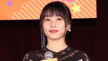 映画「ういらぶ。」の公開直前イベントに登場した桜井日奈子さん