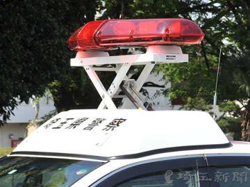暴れた男性、警察官5人で制圧後死亡