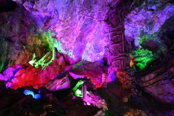 神秘なカルスト洞窟 甘粛省隴南市万象洞