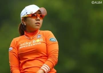 宮里美香が2アンダー・9位タイと上位キープ(写真は日本女子オープン)