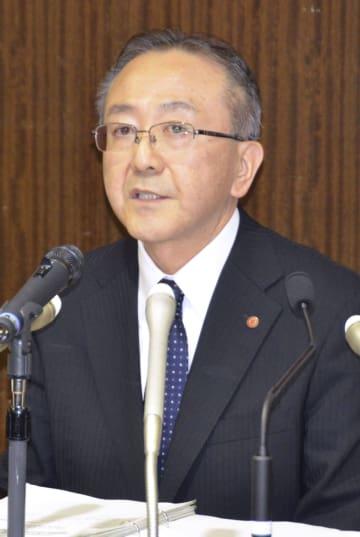 記者会見する北海道電力の藤井裕副社長=1日午後、札幌市中央区