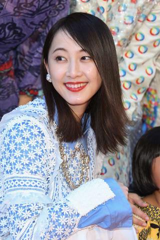 「第31回東京国際映画祭」のレッドカーペットイベントに登場した松井玲奈さん