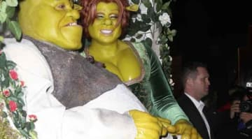 Heidi Klum & Boyfriend Tom Kaulitz Dress Up As Princess Fiona & Shrek For Her Annual Halloween Party