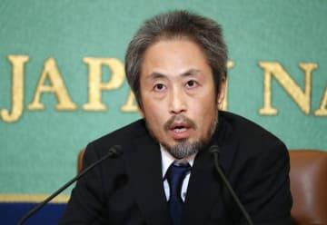 安田純平 安田 ジャーナリスト 3年 会見 記者 シリア 拘束 英雄 自己責任 論