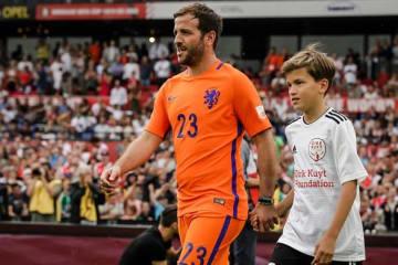 オランダ代表の盟友カイトの引退試合に出場したファン・デル・ファールト photo/Getty Images
