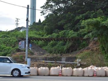 線路下の盛り土の流出した京都丹後鉄道の宮舞線(2018年7月9日、宮津市波路)