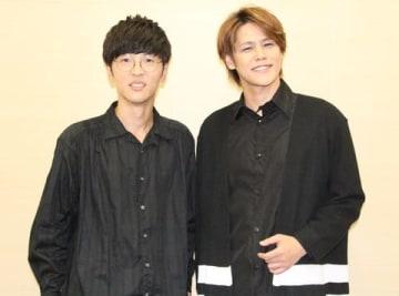 劇場版アニメ「GODZILLA」3部作で声優を務めた櫻井孝宏さん(左)と宮野真守さん