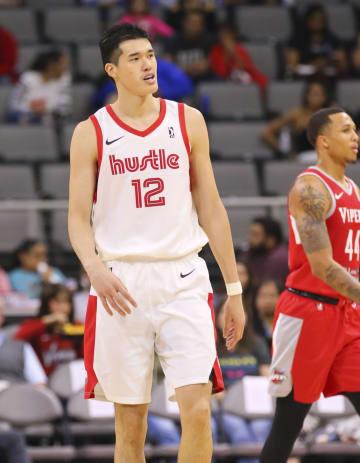 NBA下部リーグ、ハッスルの開幕戦に出場した渡辺雄太=米テキサス州エディンバーグ(共同)