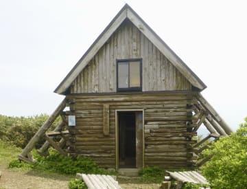 白神岳避難小屋=6月、青森県深浦町(同町提供)