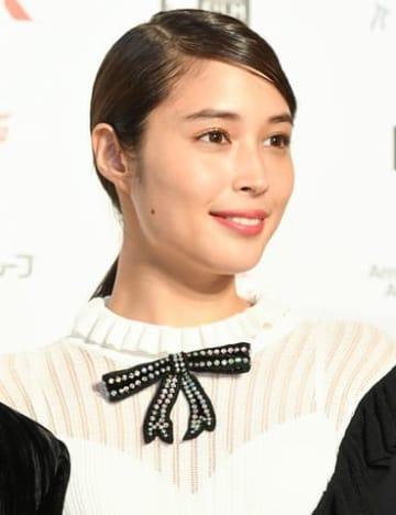 アジア最大級の映画祭「第31回東京国際映画祭」のレッドカーペットイベントに登場した広瀬アリスさん
