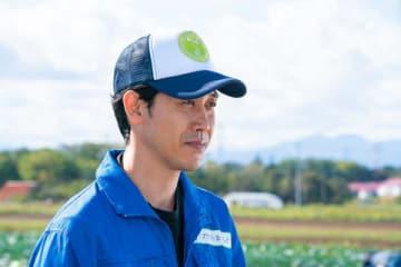 北海道テレビ放送開局50周年ドラマ「チャンネルはそのまま!」に出演する大泉洋さん