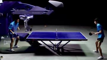 どんな球にも対応、対戦相手はオールラウンダーの卓球ロボ