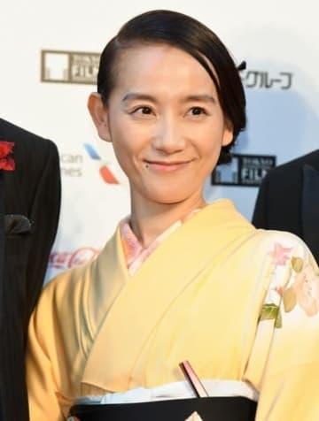 「第31回東京国際映画祭」のレッドカーペットイベントに登場した篠原ともえさん