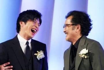 「おっさんずラブ」の田中圭&吉田鋼太郎(今年10月のイベントにて撮影)