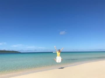 BS12で9日に放送される番組「沖縄本島&宮古島ゆったりハシゴ旅 ~タイムシェアリゾートで居心地よく~」に出演する高橋友希さん