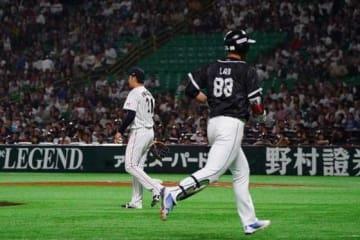 チャイニーズ・タイペイはラン(写真右)の3点本塁打などで侍ジャパンに勝利【写真:Getty Images】