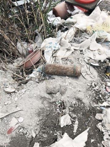 埋め立てごみから見つかった砲弾=熊本市扇田環境センター(熊本市提供)