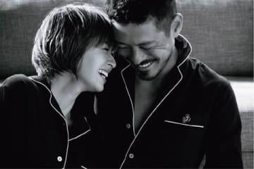 「SALON by PEACH JOHN」の冬シーズンのビジュアルに登場した畑野ひろ子さん(左)と鈴木啓太さん夫妻