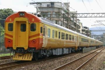 しなの鉄道が塗装を再現する台湾鉄路管理局の電車EMU100(しなの鉄道提供)