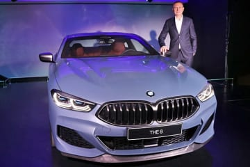 BMW 新型8シリーズ クーペ
