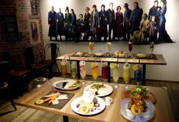 ホグワーツ魔法学校の各寮をイメージしたドリンクも!