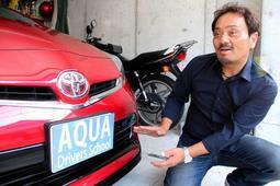 運転席からの死角について説明するアクアドライバーズスクールの島田真二代表=神戸市内