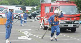 就職支援や人材確保、団員増への期待が膨らむ学生消防団活動認証制度を開始した=市内消防団の訓練より