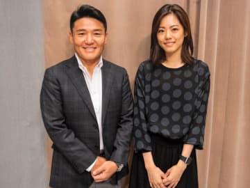 元新体操日本代表の坪井保菜美さん(右)とパーソナリティの丸山茂樹