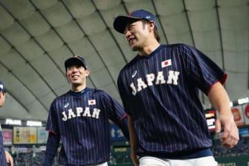 侍ジャパン・秋山翔吾(左)と柳田悠岐【写真:Getty Images】