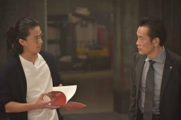 WOWOWの連続ドラマ「遠藤憲一と宮藤官九郎の勉強させていただきます」第1話のワンシーン=WOWOW提供