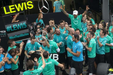 ハミルトン、エンジントラブルを抱えながらの勝利「なんとしても勝ってコンストラクターズタイトルを決めたかった」F1ブラジルGP日曜