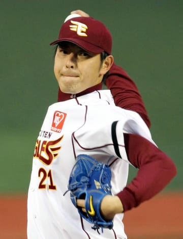 東北楽天在籍時の岩隈投手=2011年5月
