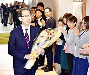 内堀知事初登庁「2期目」スタート 挑戦を進化...復興創生前進
