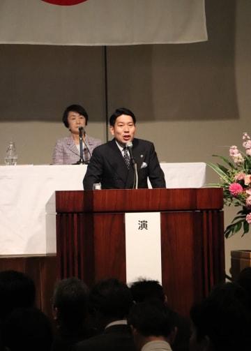 大村市のまちづくりについて話す園田市長=東京・千代田区、砂防会館