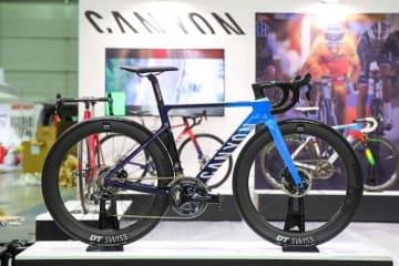 展示車:エアロードCF SLX ディスク 9.0 Di2 XSサイズ 新色ブルーフェード ©︎Canyon Bicycles