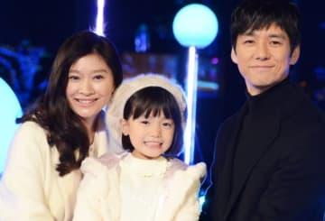 『人魚の眠る家』で家族を演じた篠原涼子、稲垣来泉(子役)、西島秀俊