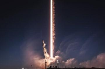 スペースX、衛星インターネット計画「スターリンク」を刷新 低軌道運用を追加