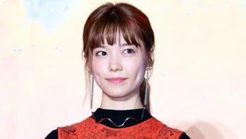 映画「ニセコイ」のスペシャルステージイベントに登場した島崎遥香さん