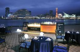 ラスイートのコンベンション施設「ラ・スイート神戸オーシャンズガーデン」の西側で期間限定で開催されるバル(同社提供)