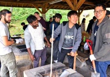 外国人材拡大、日本語教育や悩み相談は誰が 生きる力伝授必要に