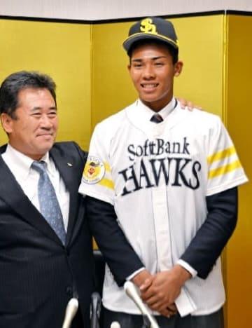 ソフトBドラ5水谷、規格外のスケール 日本人野手最長身192センチ スカウト「トリプルスリーも狙える」