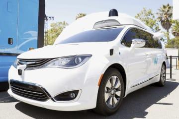 ウェイモの自動運転車=5月8日、米カリフォルニア州(ロイター=共同)