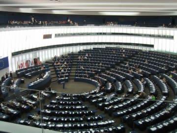 ボリス イギリス EU 離脱 欧州連合 ポンド ユーロ メイ首相 事務レベル 合意