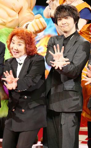 劇場版アニメ「ドラゴンボール超 ブロリー」のワールドプレミアイベントに登場した三浦大知さん(左)と野沢雅子さん