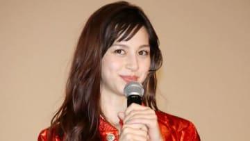 映画「ニセコイ」のスペシャルステージイベントに登場した中条あやみさん