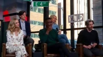 左から、サラ・パクストン、ジョシュ・ブレナー、マムドゥ・アチー、アリ・グレイナー、ジェイソン・ライトマン監督