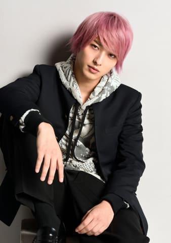 ピンク色の髪の横浜流星さん =TBS提供